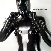 Heavy rubber cuffs with spikes model.15