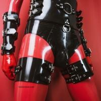 Heavy rubber thigh cuffs model.16