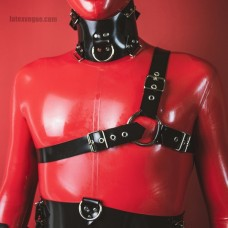 Heavy rubber harness over one shoulder - model.06
