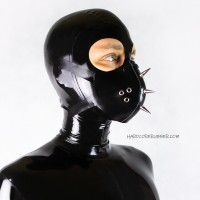 Rubber face mask with spikes - model.01